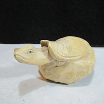 Hand Carved Burl Turtle on Mushroom or Lily Pad Very Well Done - €22,75 EUR