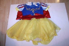 Women's Snow White L (12/14) Halloween Costume Disney - $27.80