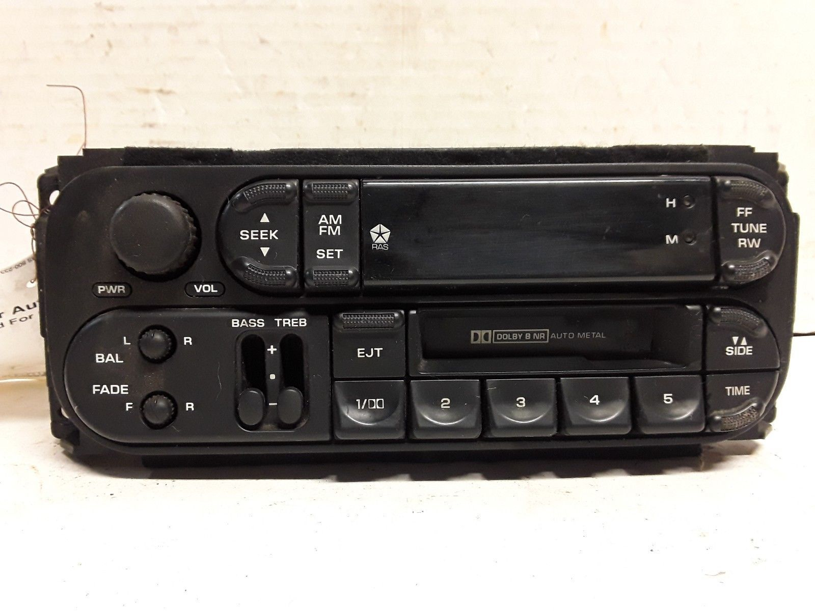 98 99 00 01 02 Dodge Chrysler Jeep AM FM cassette radio receiver OEM P56038931AB
