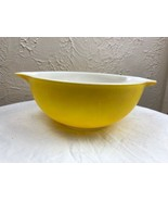 Vintage PYREX Cinderella yellow nesting bowl #443 2 1/2 qt. Nice condition - $14.92