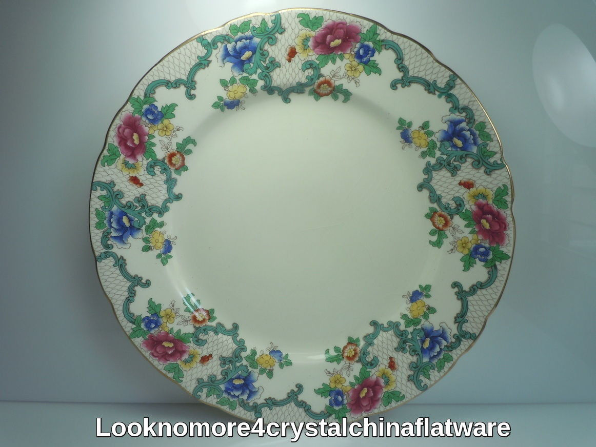 Royal Cauldon Victoria Luncheon Plate