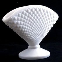 Westmoreland Vintage White Milk Glass #555 English Hobnail Fan Vase  image 2