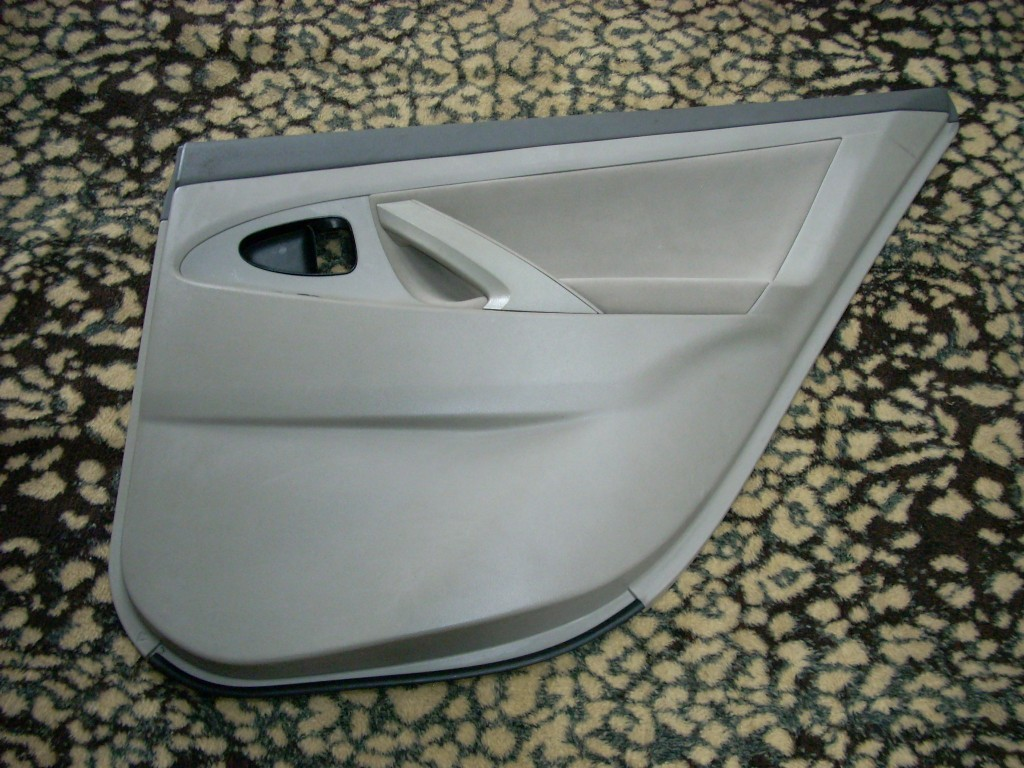 2011 TOYOTA CAMRY RIGHT REAR TRIM PANEL