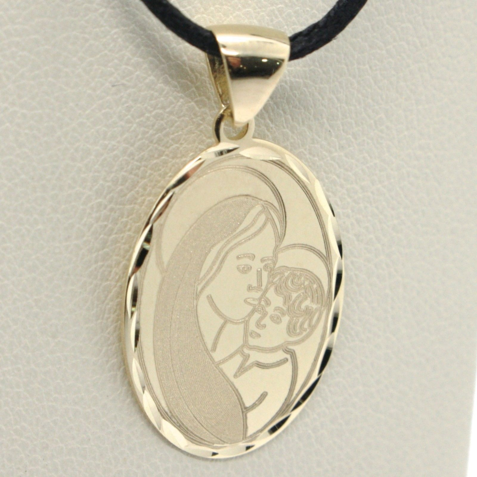 SOLID 18K YELLOW GOLD VIRGIN MARY AND JESUS OVAL MEDAL, 0.8 INCHES, ITALY MADE