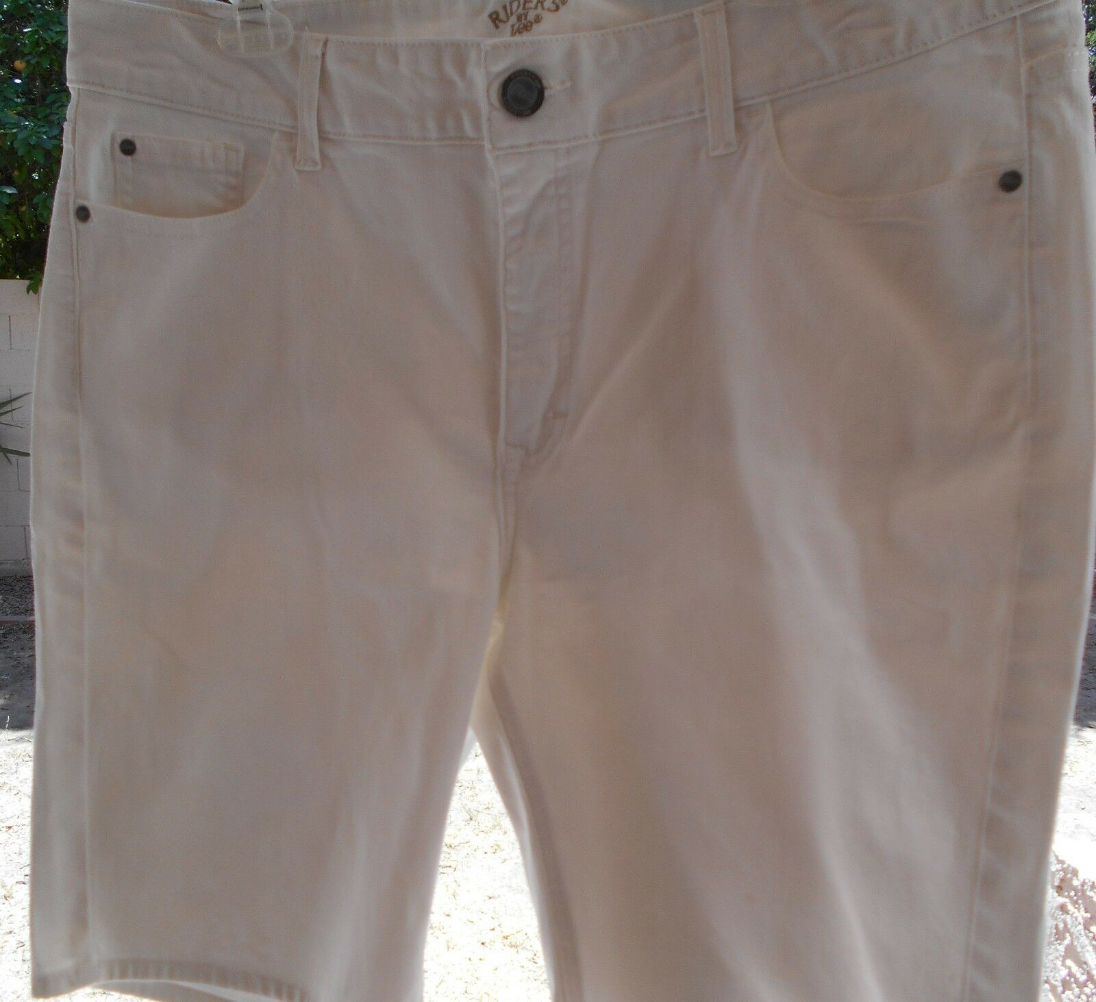 """Riders by Lee Women's Stretch Jean Bermuda SHORTS 14 WAIST 37"""" WHITE SEQUIN   image 6"""