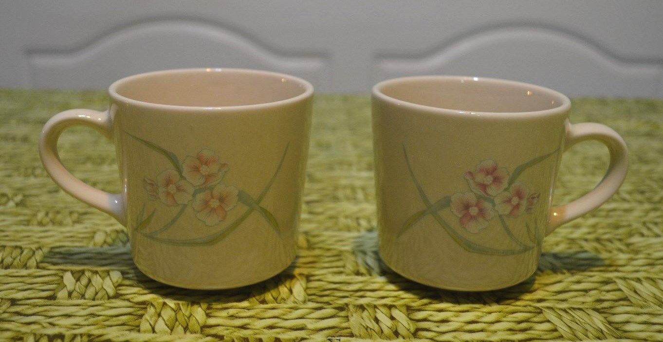 Lot 2 replacement Vintage Corelle Corner and 50 similar items