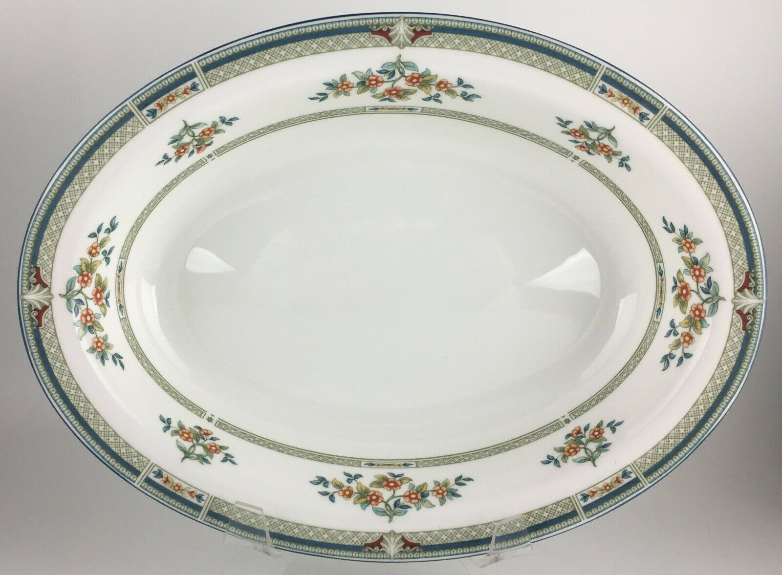 Primary image for Wedgwood Hampshire R4668 Oval serving vegetable bowl 11 ""
