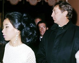Robert Mitchum and France Nuyen Man in the Middle attending premiere 1964 Hol - $69.99