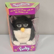Original Vintage 1998 Furby Skunk Electronic Toy By Tiger Black & White ... - $149.95