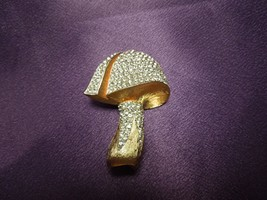 Vintage Brushed Gold Tone Rhinestone Mushroom Brooch Pin Fashion Jewelry - $31.19