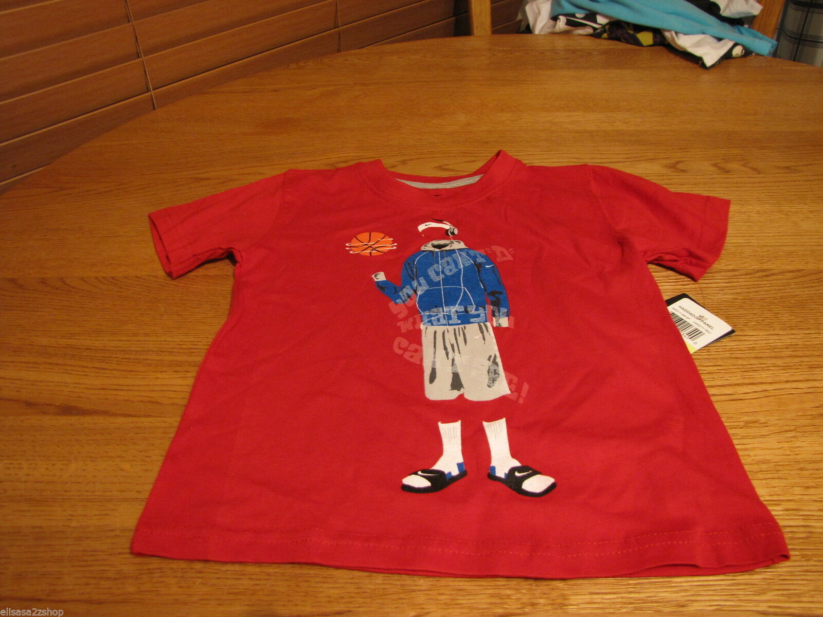 Boy's Youth 4 Nike varsity red basketball sports TEE T shirt TEE NEW NWT logo