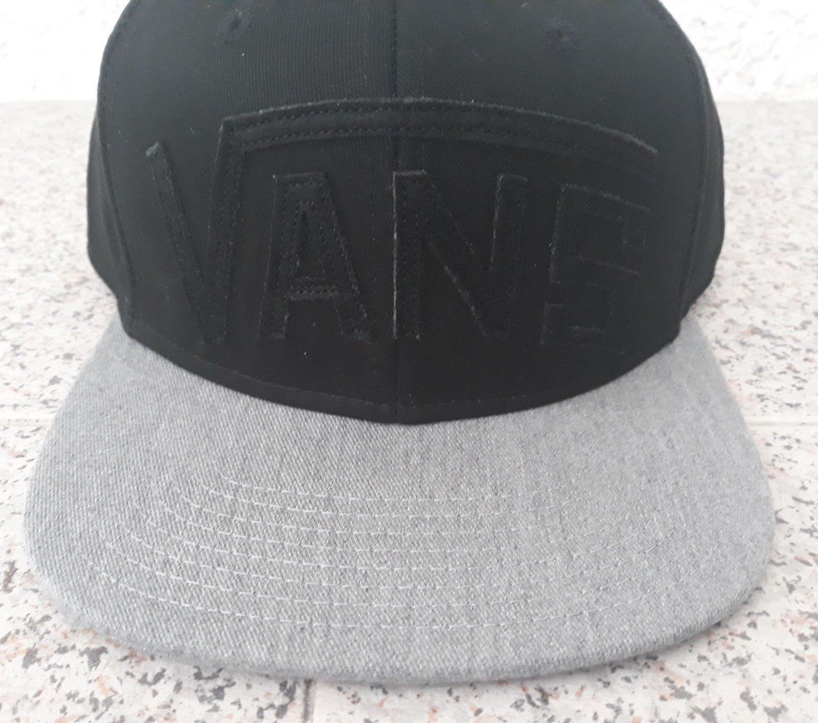 Vans Black Cap Grey Casual Hat 100% Cotton Adults One Size  Flat Brim 6 Panel