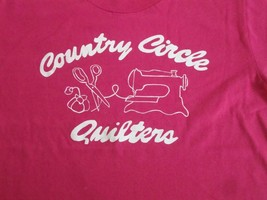 Vintage Country Circle Quilters Quilt Makers pink sewing T Shirt S - $15.53