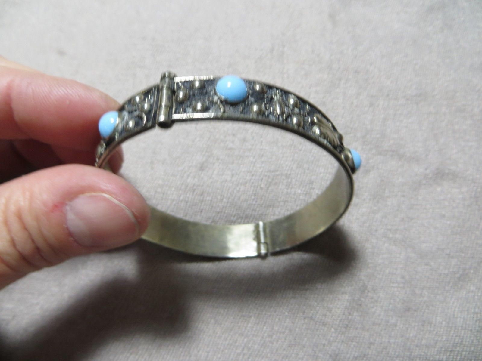 Victorian 800 Silver Grand-tour Italy Hinged Filigree/Leafs Blue Stones Bracelet