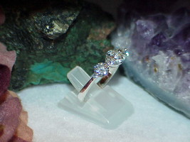 Sterling Silver 3 Stone CZ Round Past Present Future Promise Ring Sz 8.5 3.2Grm - $32.66