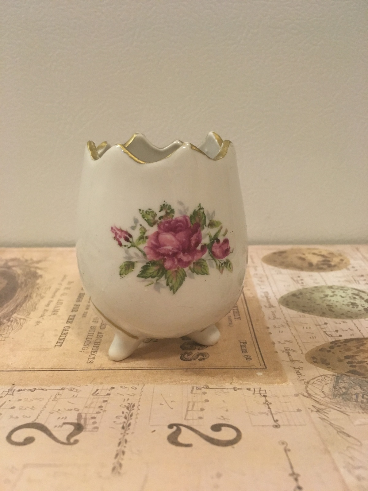Vintage Egg Shaped Vase Cracked rim Floral DesIgn Shabby Chic Cottage
