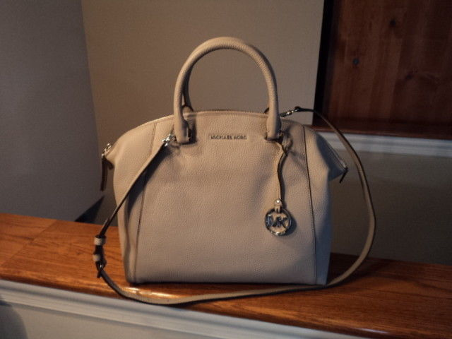 Authentic Michael Kors Riley Large Satchel and 50 similar items. 57 dcb0470a626