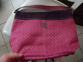 Liz Claiborne deep rose large handbag tote - $13.00