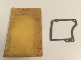 (1) Poulan Chainsaw 19009 Gasket 530019009 New Old Stock - $5.75