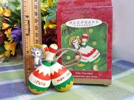 HALLMARK Feliz Navidad 2000 Ornament Little mouse with maracas - $9.89