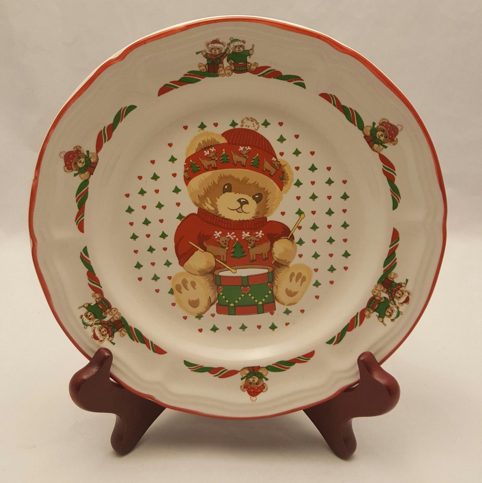 Tienshan Stoneware Christmas Theodore Teddy Holiday Bear Salad Plate Red (3 Ava)