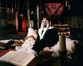 ALEC Guinness in Lawrence of Arabia in Tent Sitting on Fur Rug 16x20 Canvas - $69.99