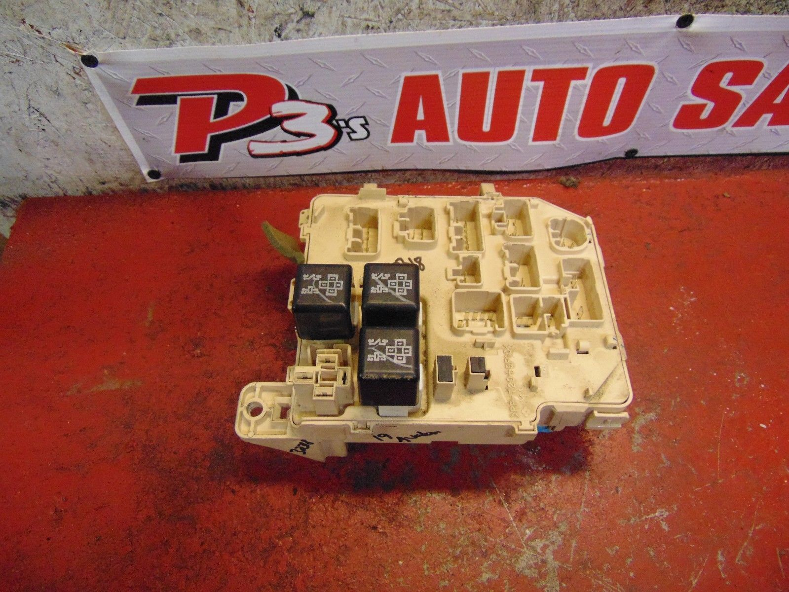 97 98 99 Toyota Avalon Interior Fuse Box And 6 Similar Items Panel Integration Relay 82641 Ac030
