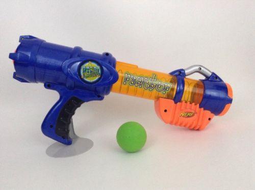 Hasbro 2003 Nerf Reactor Atom Blasters Foam Ball Launcher w/ Foam Ball