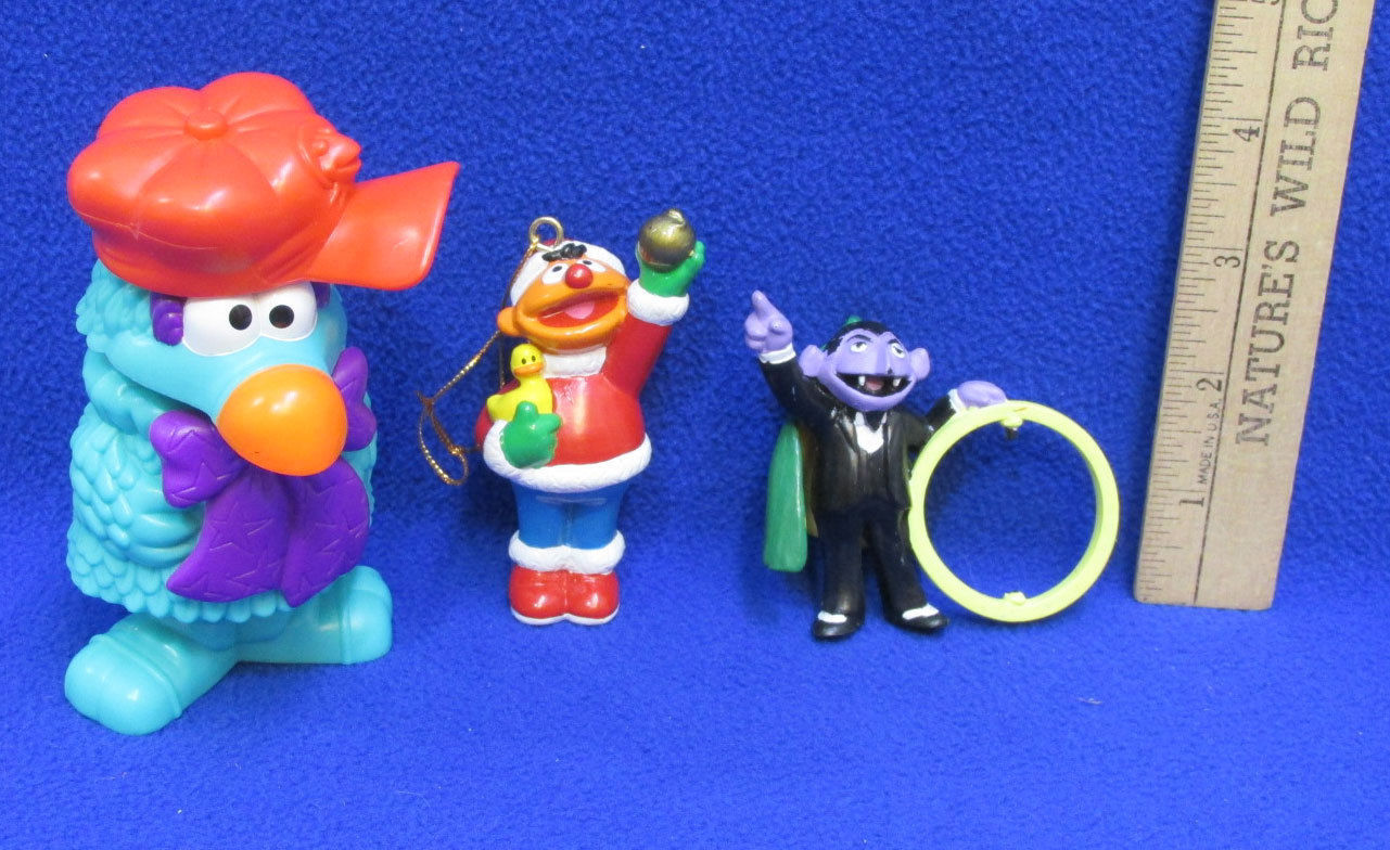 Sesame Street Toys Ornament & Golden Book The Day Snuffy Had The Sniffles 4 Lot