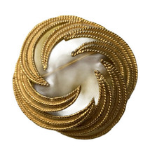 Vintage Crown Trifari Brushed Textured Gold Tone Wreath Circle Brooch Pi... - $13.99