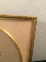 """Vintage 40s gold ornate 6 1/2"""" x 8 1/2"""" frame with gold edged oval mat  image 2"""