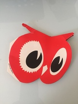 Vintage 60s Red Owl needle book