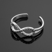 14K White Gold Hearts Textured Infinity Toe Ring - $59.99