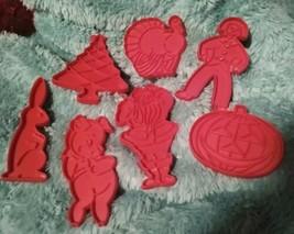 VTG Cookie Cutters Tupperware Set 7 Xmas Bunny Turkey Santa Pig USA Red ... - $9.99