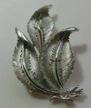 Vintage Signed Lisner Silver-tone Textured Leaf Brooch - $18.32