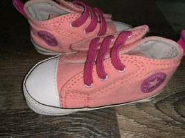 Converse All Star ~ Infant Baby Kids Pink Crib Shoes Girl's EUC (A) ~ 3 - $15.14
