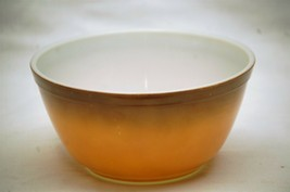 "Old Vintage Pyrex 7"" Mixing Bowl Two Tone Brown / Orange 1-1/2 Qt. Kitchen Tool - $26.72"