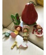 1983 Strawberry  Shortcake Dolls Case & Accessories Rare - $49.49