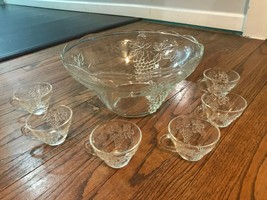 Vtg Mid Century Anchor Hocking Clear Glass Punch Bowl Set Grapes Vines 6... - $29.02
