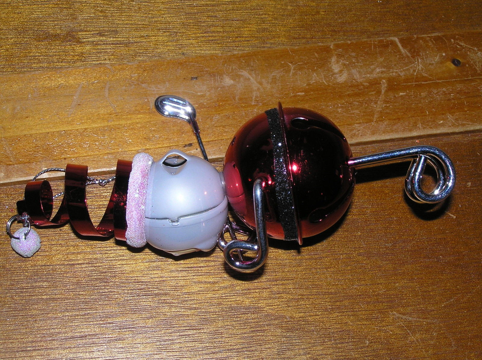 Estate Metallic Red Jingle Bell Santa Claus with Silvertone Golf Club Christmas