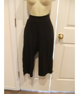 NEW WITH TAG HANES LIVE LOVE COLOR  Black CAPRI MEDIUM - $18.80