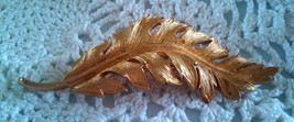 Vintage Coro 1961 Signed Gold Tone Pin Brooch Detailed Feather Leaf image 1