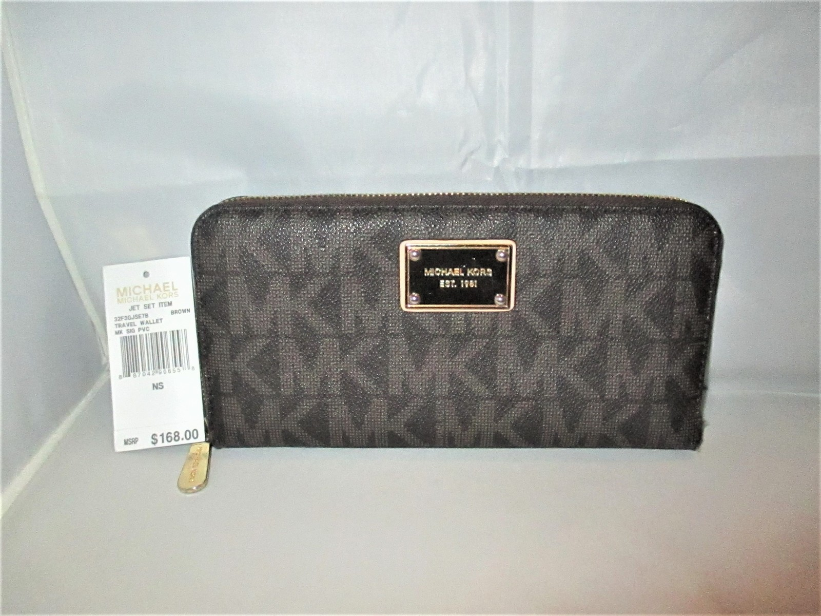 d7fabe17d4ec Michael Kors Jet Set Item MK Signature Logo and 50 similar items. Img 2154