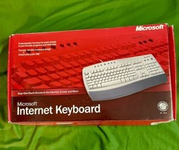 New 2002 Microsoft Internet Keyboard! Wired! PS/2! Detachable Palm REST/OPEN Box - $19.59