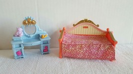 Loving Family Dollhouse Girl/Daughter/Sister Day Bed & Vanity Ship Fast - $12.99