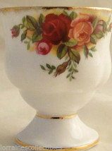 MADE IN ENGLAND OLD COUNTRY ROSES SET OF 2 EGG CUPS  ROYAL ALBERT - $74.80