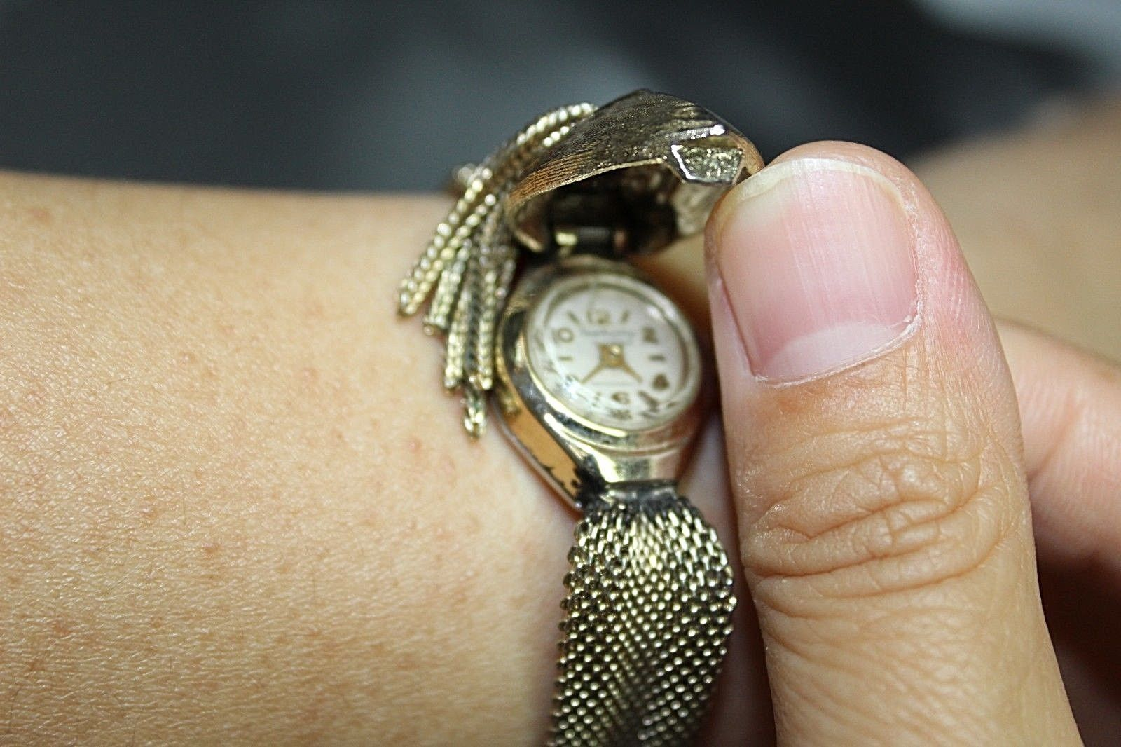 RARE VINTAGE HAWTHRONE 17 JEWELS LADY WATCH SWISS MADE GOLD TONE