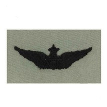 ARMY EMBROIDERED BADGE: SENIOR AVIATOR EMBROIDERED WITH BLACK THREAD ON ABU - $13.84
