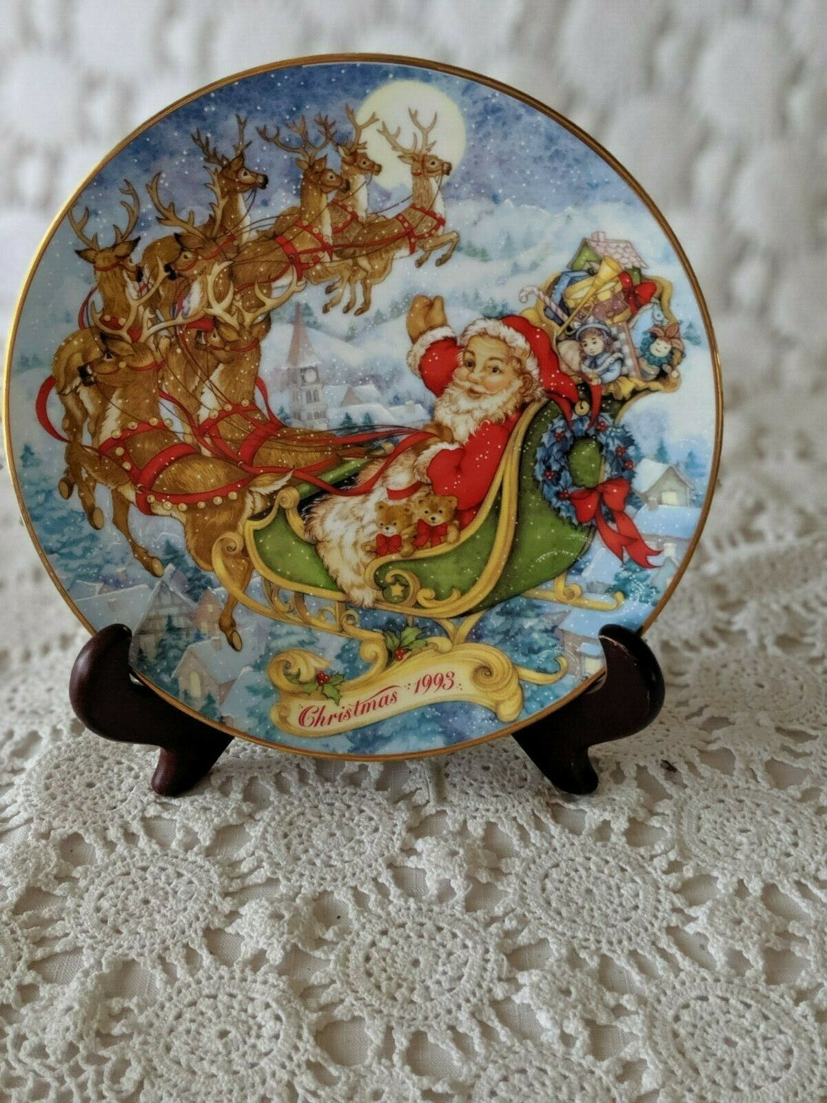 Avon Special Christmas Delivery 1993 Christmas Collectors Plate Porcelain