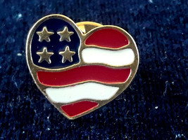 STUNNING VINTAGE SIGNED AVON AMERICAN FLAG HEART PIN TIE TACK - $3.00